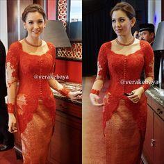 Model Vera Kebaya Warna Merah Modern Terbaru Fav In 2018