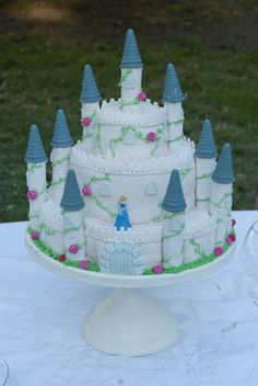 Sleeping beauty's castle cake