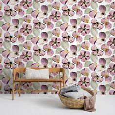 Нарисованные вручную акварельные цветы укрывают стену, образуя сказочный летний луг. Жизнерадостные обои — идеальный выбор для детской 🌸 #фотообои #скандинавскийстиль #domoi24 #интерьер