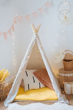 I've teamed up with Asia Miles to create this DIY kids indoor play tent for a Christmas, what a super fun way to reward your children as well! Diy Kids Teepee, Girls Teepee, Diy Teepee Tent, Kids Tents, Toddler Teepee, Baby Teepee, Childrens Play Tents, Teepee Nursery, Tent Bedroom