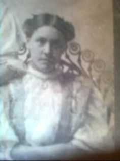 Bessie Skillman-McDaniel (daughter of John Skillman and Sarah E. Coody-Skillman) - Cherokee - no date Native American Genocide, Native American Ancestry, Native American Cherokee, Native American Tribes, Native American History, Native Americans, Cherokee Tribe, Cherokee Woman, Cherokee Indians