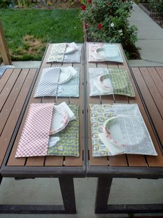 The perfect solution to outdoor dining- Patio Place Mat Tutorial