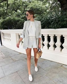 Shop the latest affordable high fashion trends at Pretty Lavish. Free UK delivery on women's dresses, party outfits, accessories, jackets and knitwear. Winter Fashion Outfits, Spring Summer Fashion, Spring Outfits, Summer Shorts Outfits, Date Outfits, Chic Outfits, Trendy Outfits, Look Blazer, Neutral Outfit