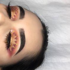 eyeshadow makeup kit makeup lessons makeup guide makeup tips with pictures eyeshadow holder makeup hindi makeup looks step by step makeup stuff Gorgeous Makeup, Pretty Makeup, Love Makeup, Makeup Inspo, Makeup Art, Makeup Inspiration, Beauty Makeup, Fairy Makeup, Mermaid Makeup