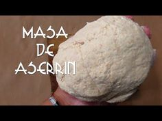 COMO HACER ARCILLA DE ASERRÍN/MASA/PASTA/FLEXIBLE/FACIL/CURIOART Te muestro como hacer masa,arcilla flexible de aserrín para manualidades. la puedes guardar ...