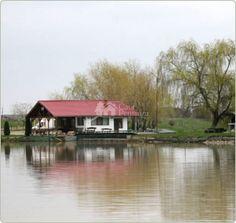 Complex agrement, pescuit sportiv Lac Racovita Romania, Cabin, House Styles, Amazing, Home Decor, Decoration Home, Room Decor, Cabins, Cottage
