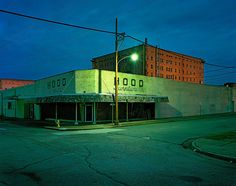 Emmanuel George, Hood Furniture, Arkansas, 2011 / 2015 © www.lumas.de/ #Lumas - LUMAS photograph Georges shoots old factories, suburban motels, car parks and crossroads, bringing the melancholy potential of these places into focus. He captures the end of the American dream through scenes that are morbid and decaying, but which are still inspired by the narrative. The images American Rewind, taken with a medium format camera, show us an American past that is still visible today.