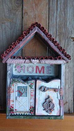 Ξυλινη κλειδοθηκη με χειροποίητα διακοσμητικα. Wooden key case with handmade details Decoupage, Frame, Handmade, Home Decor, Picture Frame, A Frame, Craft, Interior Design, Frames