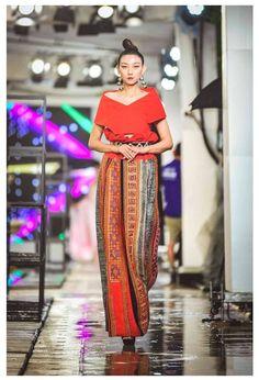 Hmong Clothing, Filipiniana, Fashion Show, Sari, Modern, Wedding, Clothes, Jewelry, Dresses