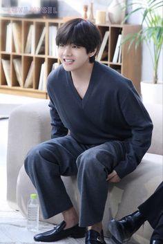 Bangtan Twitter, Bts Bangtan Boy, Jimin Jungkook, Bts Boys, Park Ji Min, Daegu, Mixtape, Bts Kim, Kim Taehyung