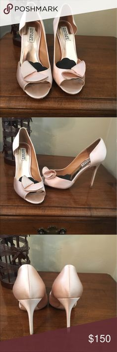 Worn only once! Badgley Mischka pink heels Cute pink Badgley Mischka heels. Only worn once. Badgley Mischka Shoes Heels