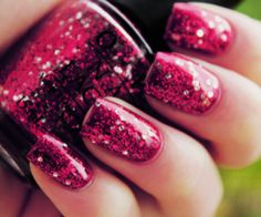 Sparkly Ruby Red Nails