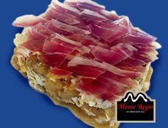 Tosta de huevos rotos, jamón ibérico #MonteRegio y trufa negra ¿Disfrutamos el viernes de un almuerzo 10?