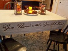DIY Thanksgiving tablecloth idea and pretty fall tablescape inspiration