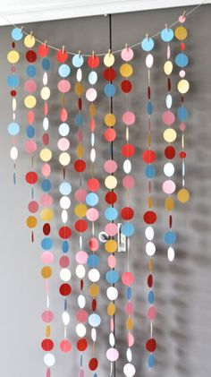 Items similar to Colourful garland backdrop, Fun circles, Photo booth prop on Etsy Diy Home Crafts, Diy Crafts For Kids, Craft Ideas, Wall Painting Decor, Valentine Crafts For Kids, Creative Gift Wrapping, Cute Room Decor, Paper Flowers Diy, Diy Christmas Tree