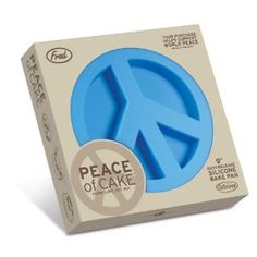 Fred Flare: peace of cake mold - Photo Peace Of Cake, Peace Sign Cakes, Cake Baking Pans, Cake Pans, Peace Sign Birthday, For Elise, Give Peace A Chance, Hippie Love, Hippie Things