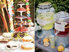Una mesa de frutas y otra de infusiones el día de la boda