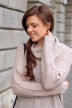 Winteroutfit Blogger | Fashionblogger | Rollkragenpullover | smile | Girl | Brunette | braune Haare | lange Haare | Outfit | JustMyself | Beauty | pretty