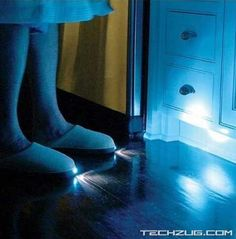 Cool products and gadgets Night Light Slippers Inventions Sympas, Ideas Para Inventos, Funny Inventions, Awesome Inventions, Crazy Inventions, Creative Inventions, Useless Inventions, Do It Yourself Wedding, Take My Money