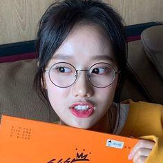 Korean Girl Groups, Ulzzang, Kpop, My Love, Face, Clock, Girls, Watch, Toddler Girls