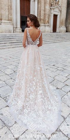 Elena Vasylkova Wedding Dresses 2018 My new favorite wedding gown. I love the lace and the low v back. Very classyMy new favorite wedding gown. I love the lace and the low v back. Very classy Cute Wedding Dress, Wedding Dresses 2018, Wedding Dress Trends, Bridal Dresses, Girls Dresses, Bridesmaid Dresses, Wedding Bride, Wedding Ideas, Wedding Hacks