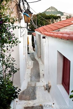 Pedestrian Street in Athens, Greece Places Around The World, Around The Worlds, Amazing Places, Beautiful Places, Amazing Photography, Travel Photography, Places In Greece, Athens Greece, Greeks