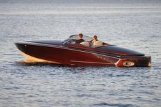 Boat Plans 810718370403796676 - Van Dam Custom Boats launched DON DON with a 375 hp motor in summer Source by Plywood Boat Plans, Wooden Boat Plans, Yacht Boat, Boat Dock, Course Vintage, Wooden Speed Boats, Chris Craft Boats, Cruiser Boat, Classic Wooden Boats