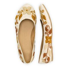 Autumn Blossom Hand Embroidered Ballet Flats | Etre Touchy Gloves | Fair Trade Accessories | USA-Made Accessories | Fair Indigo