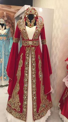 Pin on Dresses/Costumes Turkish Wedding Dress, Desi Wedding Dresses, Bridal Dresses, Wedding Dressses, Lovely Dresses, Beautiful Gowns, Vintage Dresses, Fantasy Gowns, Medieval Dress