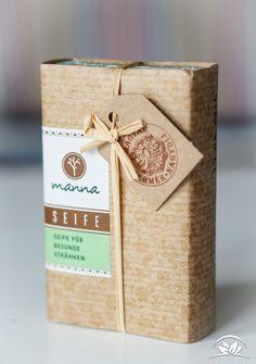 Wir haben die Manna Seife für gesunde Strähnen getestet. Holt Euch hier wichtige Tipps zur Anwendung und erfahrt mehr über Wirkung und Inhaltsstoffe.