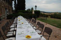 Matrimonio Ecologico Claudia e Giorgio allestimento tavolo agriturismo toscana
