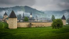 Best of Romania Tour 2018 - For two full weeks you will explore Bucharest, Transylvania, Bucovina and Maramures, regions rich in centuries-old traditions and fascinating and diverse heritage.  The highlights of this 2018 tour of Romania are the medieval castles, painted monasteries, wooden churches, brown bears, quaint villages and hospitable locals who carry on centuries' old traditions.