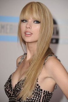 Taylor Swift Straight Hairstyles 2014