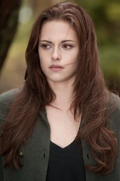 "Eclipse Team Kristen Site: New ""Twilight Saga"" Stills - Twilight, New Moon, Eclipse, Breaking Dawn Part 1 and 2 Twilight Saga Series, Twilight Edward, Twilight Breaking Dawn, Twilight New Moon, Twilight Movie, Twilight Wedding, Breaking Dawn Part 2, Edward Bella, Bella Cullen"