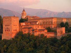 Partez pour un tour de l'Andalousie sur mesure avec Iris Event, de Séville à Grenade, en passant par Cordoue, Ubeda, Marbella...