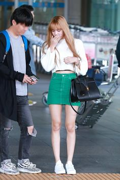 Lisa Blackpink at airport Fashion airport Lisa Lalisa Manoban [lalalalisa_m] Fashion Idol, Blackpink Fashion, Asian Fashion, Fashion Outfits, Womens Fashion, Outfits With Hats, Kpop Outfits, Korean Outfits, Cute Outfits
