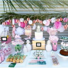 We go #tropicana tonight on The EDIT with this baby shower by @mahalostylingco • @minniesweetcreations • #linkinprofile