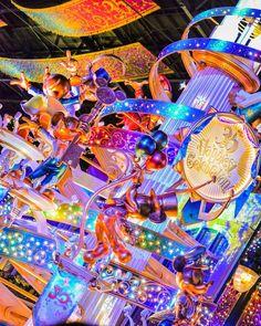 お気に入り写真 このアングルめっちゃ好き また近いうちにインしたいなぁ #東京ディズニーランド #tokyodisneyland #東京ディズニーリゾート #tokyodisneyresort #東京ディズニーリゾート35周年 #tokyodisneyresort35thanniversary #35th #ハピエストセレブレーション #happiestcelebration #セレブレーションタワー #celebrationtower #happiness #celebration #imagination #dream #illustration #magic #fantasy #ワールドバザール #disneyphoto #disneylife #disneylove #ディズニー #disney #disneypark #disneyland Disney Trips, Disney Parks, Walt Disney World, Beautiful Castles, Beautiful World, Paris Photography, Disney Star Wars, Disneyland Paris, Walking Tour