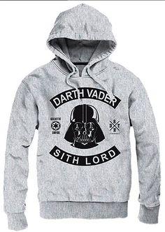 Sudadera con capucha Darth Vader Sith Lord. Star Wars  Estupenda sudadera con capucha con un chulo diseño de Darth Vader Sith Lord visto en la saga de films de Star Wars. Una prenda 100% oficial y licenciada fabricada 100% en algodón y que sin duda es un excelente regalo para todos sus seguidores. ¡No te la pierdas!.