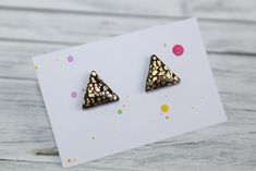 stud earrings, made of polymer clay with resin on the top. It is very light and not fragile. Black Stud Earrings, Gold Studs, Black Gold, Polymer Clay, Triangle, Etsy Seller, Resin, Creative, Top
