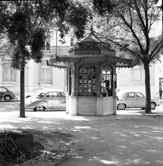 Kiosque Príncipe Real - 1959, Lisboa Princesa Real, Vintage Photography, Film Photography, Old City, Pavement, Homeland, Greece, The Past, Old Things