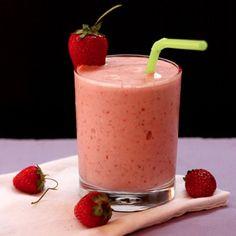 Strawberry Banana Coconut Smoothie (GF and Vegan)