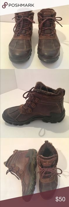 Ecco Boots🚴🏼‍♀️ Super cute and comfortable boots by Ecco... details of the shoe shown in pics #5 and #8. Only worn once and in perfect condition👍🏼 offers are always welcome and all comments will be answered below! Ecco Shoes Lace Up Boots