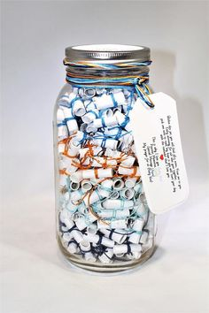 Wish Jar 365 Message Filled 64 oz Mason Jar -Personalized Multi-Colored Fun! Wish Jar,Geschenk Ideen 365 Message Filled 64 oz Mason Jar Personalized Multi-Colored. Diy Gifts For Friends, Birthday Gifts For Best Friend, Diy Gifts For Him, Diy Gifts Mom, Good Gifts For Mom, Personalized Gifts For Him, Diy Gifts Cheap, Simple Gifts, Great Gifts