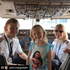 Had to repost this. What an amazing amazing picture and family treasure! Good luck guys👍❣️ ( ・・・ We made her 😁❤️ - A photo I will treasure forever 😄 - Father(Captain), daughter and mother(First Officer). Pilot Uniform, Female Pilot, Cabin Crew, Space Exploration, Genealogy, Cool Pictures, Aircraft, Father, Daughter