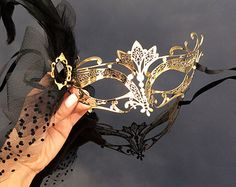 Masquerade Mask, The Great Gatsby Dress, 1920's Masquerade Mask, Gold Venetian Masquerade Mask with Diamonds, Veil, Feathers and Gems