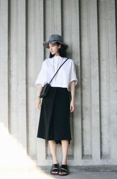 8 Korean-Inspired Outfits That You Can Totally Try Asian Fashion, Look Fashion, Girl Fashion, Womens Fashion, Fashion Trends, Fashion Bags, Outlet Michael Kors, Vogue, Street Style