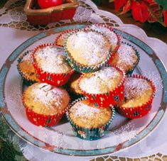 Lajos Mari konyhája - Gyümölcskenyér-muffin Oreos, Muffins, Cupcake, Breakfast, Food, Morning Coffee, Muffin, Cupcakes, Essen