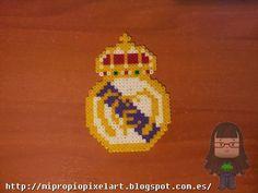 Mi Propio Pixel Art con Hama Beads: Imán Real Madrid
