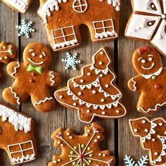 Lebkuchen Kekse Your house will smell wonderful when they bake these gingerbread biscuits. Easy Gingerbread Cookies, How To Make Gingerbread, Christmas Gingerbread, Holiday Cookies, Holiday Desserts, Holiday Treats, Gingerbread Men Icing, Cute Christmas Cookies, Vegan Gingerbread